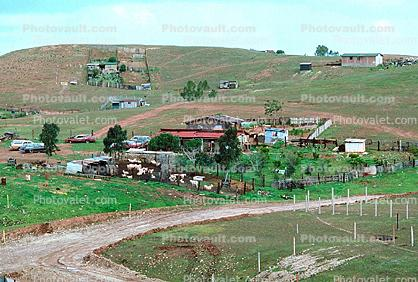 Dirt Road on a Hill, Homes, Houses, Streets, Colonia Flores Magone