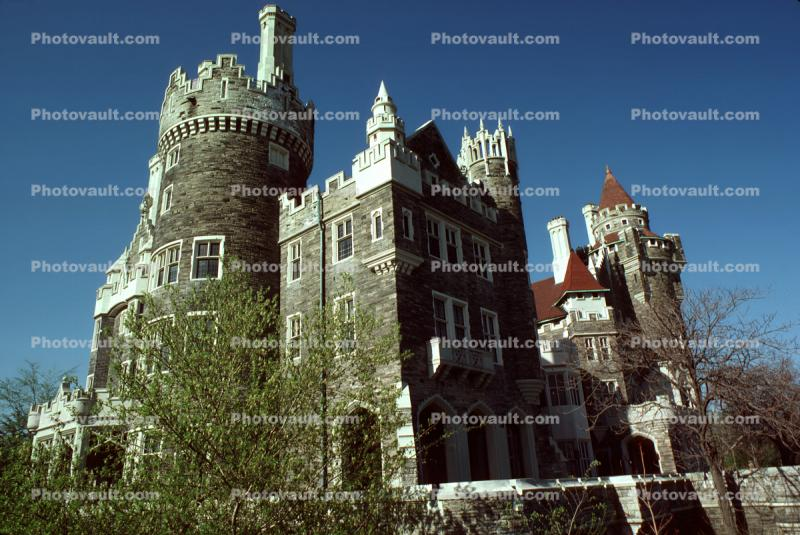 Casa Loma, Gothic Revival style, Mansion, uptown Toronto, Castle