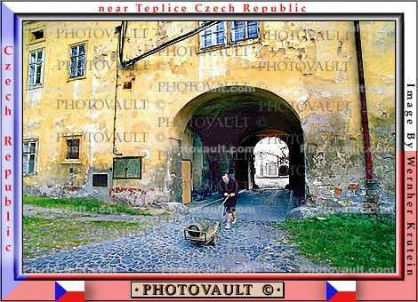 Tunnel, Woman pushing a cart, Doksany, Kostel A Krypta