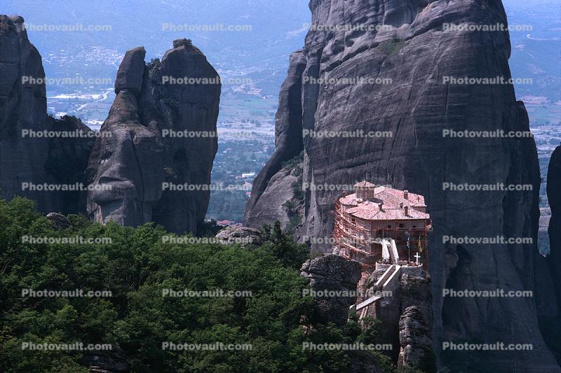 Roussanou Monastery, Meteora, Plain of Thessaly, Eastern Orthodox Monasteries, Cliff-hanging Architecture