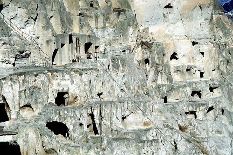 Vardizia, Rock Dwellings, Cliff Dwellings, Cliff-hanging Architecture , Cliff-hanging Architecture, Vardzia