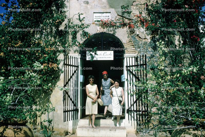 Bluebeard's Tower, Entrance, gate, Barbe Bleue, Women