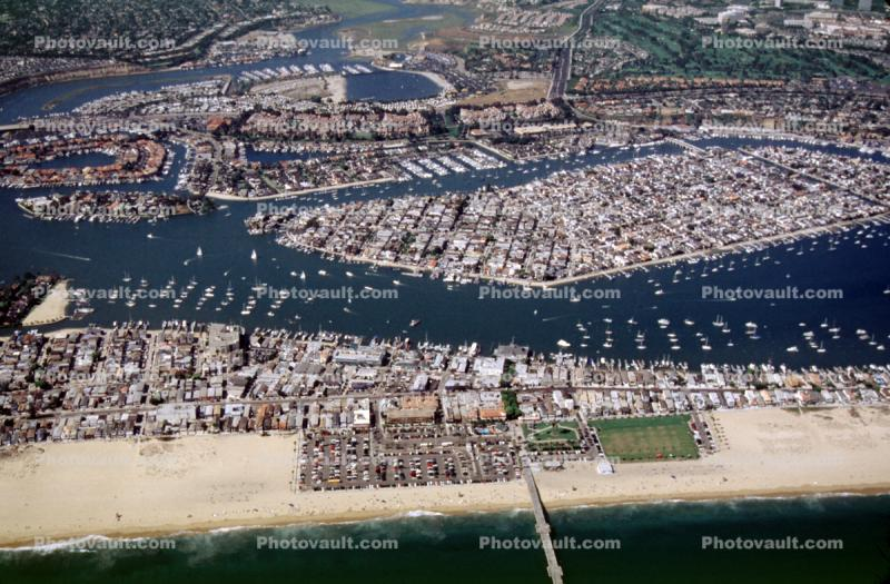 Harbor, Docks, Boats, rooftops, homes, houses, buildings, Balboa Island, Beach, Sand, Ocean