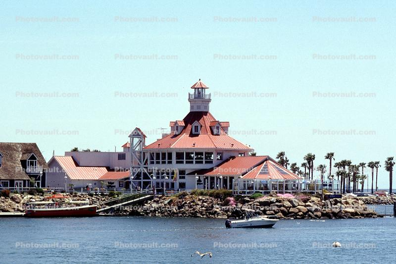 Parkers' Lighthouse Restaurant, building, boats, landmark, landmark