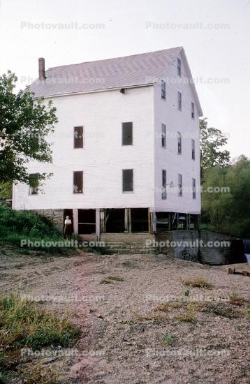 Snoddy's Mill, building, shore, landmark, Covington, Fountain County, 1965, 1960's