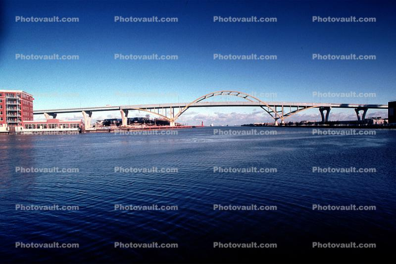Daniel Hoan Memorial Bridge, tied arch bridge, Hoan Bridge