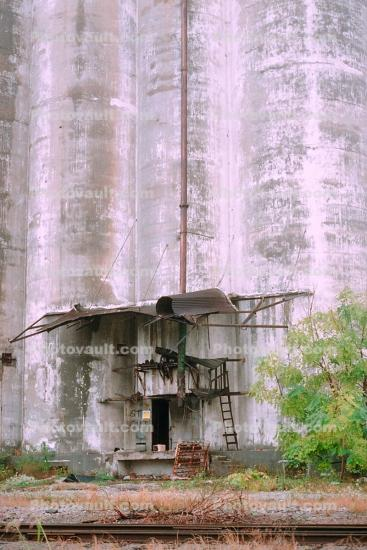 Huge Grain Silo, building