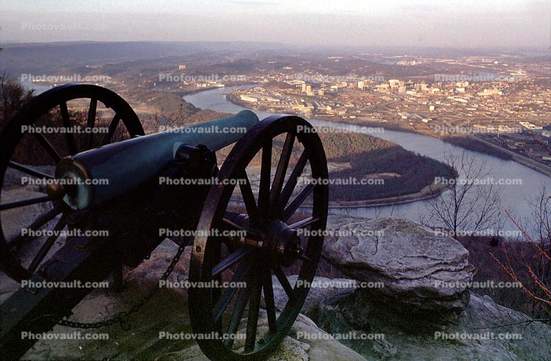 Civil War Cannon, River, Artillery, gun, overlooking Chattanooga, Tennessee River, Lookout Mountain, battlefield