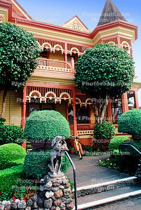 Gingerbread Mansion, Victorian Building, Gardens, Manicured Bushes, Shrubs