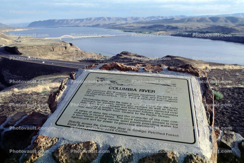 Vantage Bridge, Interstate Highway I-90, Wanapum Lake, Columbia River