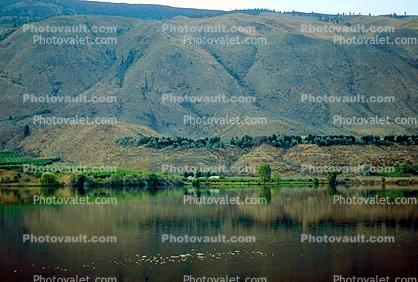 Columbia River, Fields