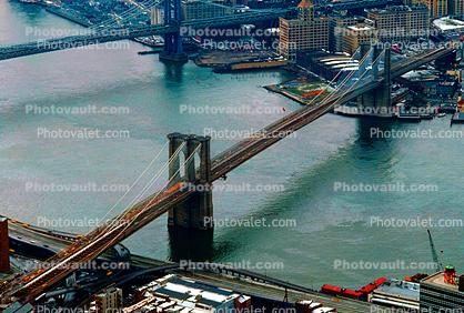 Brooklyn Bridge, East River, East-River