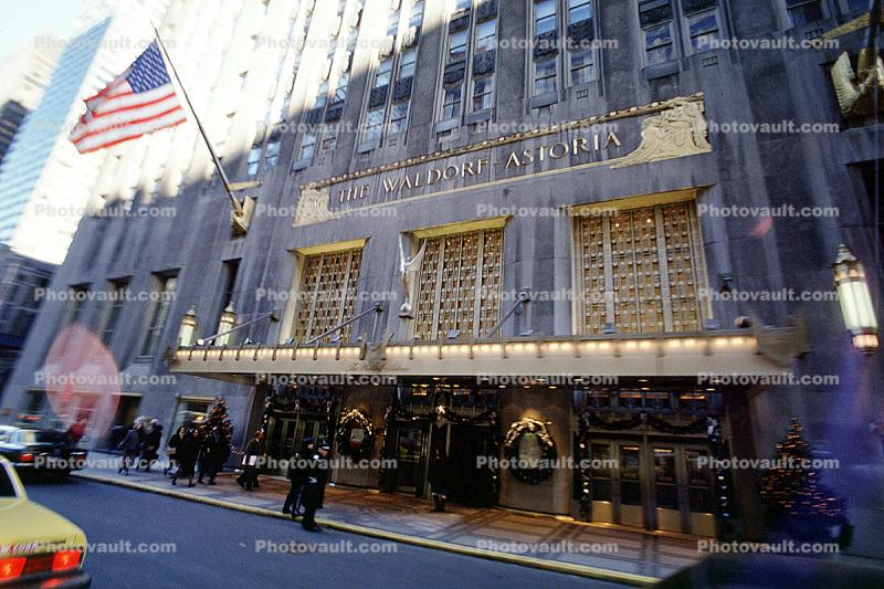 The Waldorf Astoria Hotel, Building