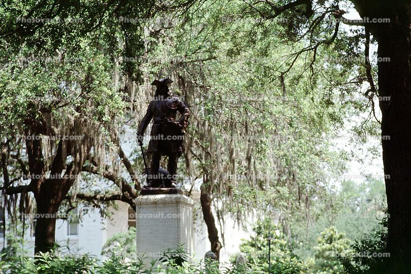 General James Oglethorpe Statue, Bronze Sculpture, walkway, hanging moss, trees, Chippewa Square, Historic Savannah