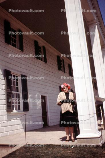fur coat, woman, female, Lady, Colonial House, Mansion