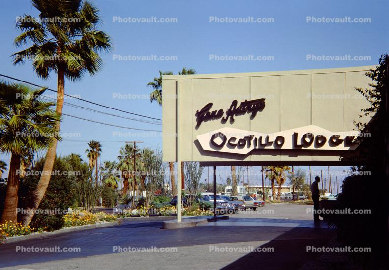 Gene Autry's Ocotillo Lodge, Car, Automobile, Vehicle, Hotel building, Palm Springs, 1964, 1960s