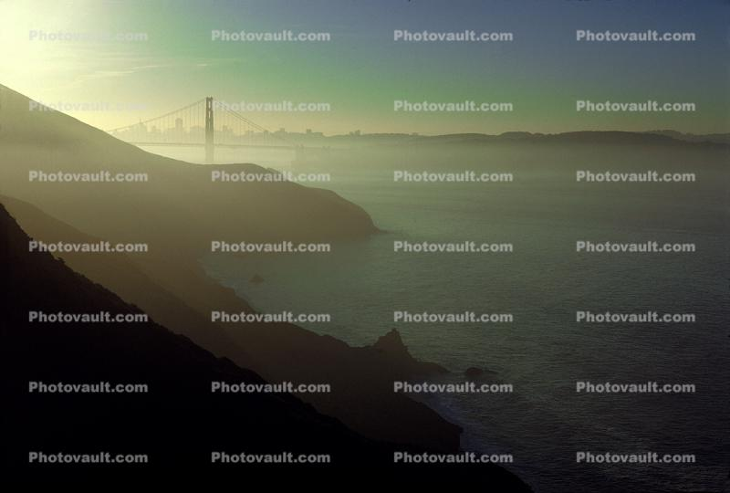 Early Morning, sunrise, Golden Gate Bridge, hazey fog