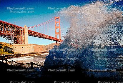 Golden Gate Bridge Splash, Fort Point