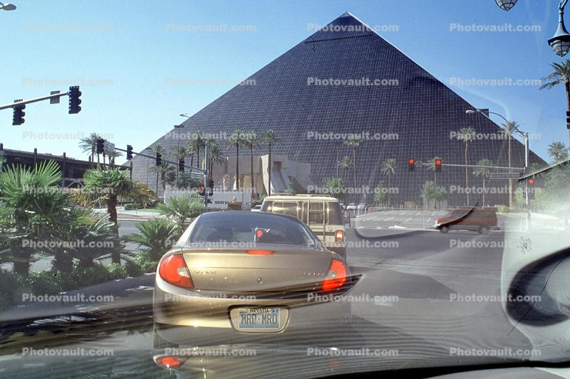 Pyramid, Hotel, Casino, building, Cars, automobile, vehicles
