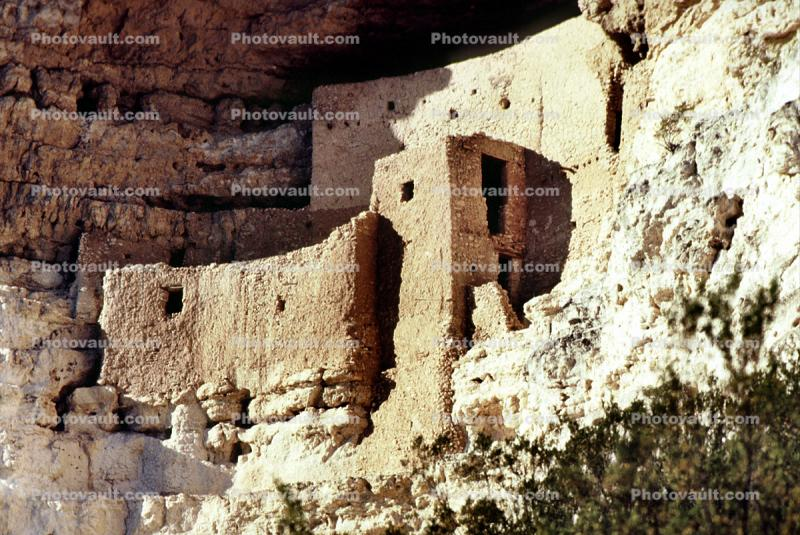 Cliff Dwellings, Cliff-hanging Architecture