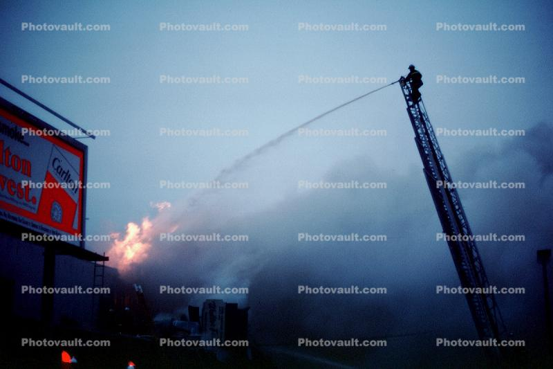 Aerial Ladder, smoke