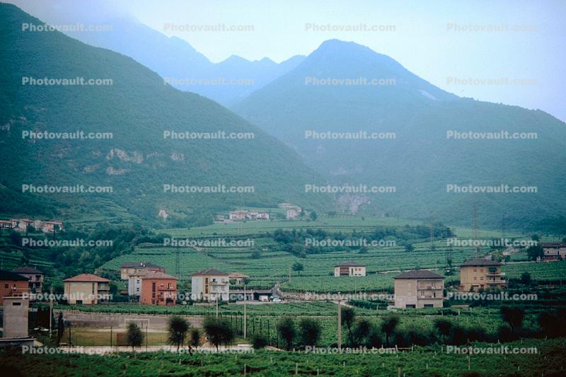 Houses, Homes, buildings, Italian Alps, mountains
