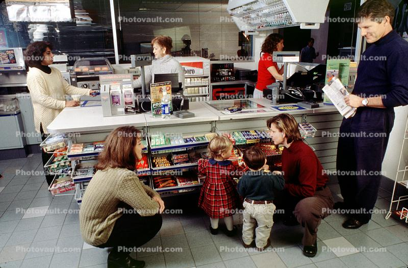 Counter, Candies, Customer, Shopper, Man, Woman, Couple, Child, Boy, Cashier, Convenience Store, C-Store