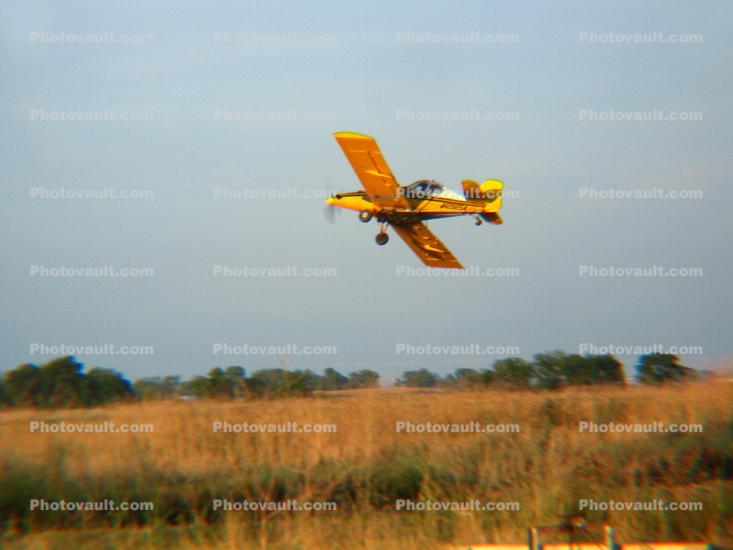 N29254, Ayres S-2R-T34 Turbo Thrush, Cropduster, Agricultural Spraying, northern Central Valley south of Redding, Redding California, Herbicide, Insecticide, Pesticide