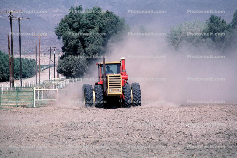 Versatile 850 Tractor, Rotary Disk Plow, dust, mechanization, heavy equipment, Coachella, California, Dirt, soil