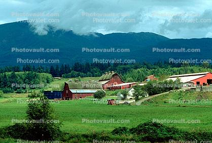 barn, farm, outdoors, outside, exterior, rural, building, architecture