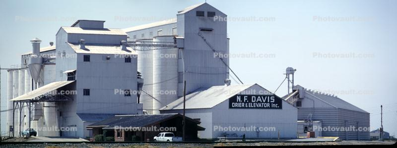 Drier and Elevator, Panorama