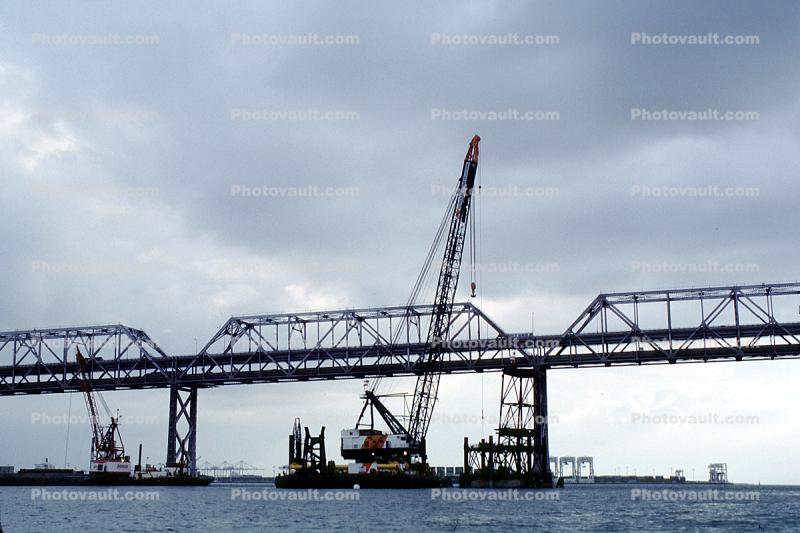 Crane, barge, construction of the new Eastern Span of the Bay Bridge