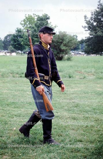 Marching soldier, Rifle, infantry, Civil War, Blue Coat