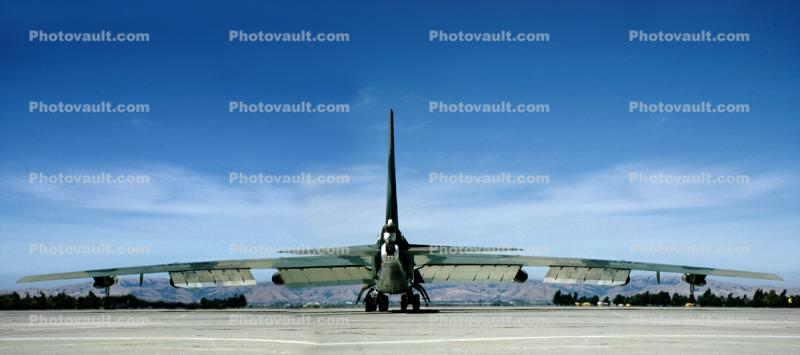 Boeing B-52 Stratofortress, NAS Moffett Field (Federal Airfield), Mountain View, California, Panorama, United States Air Force, USAF