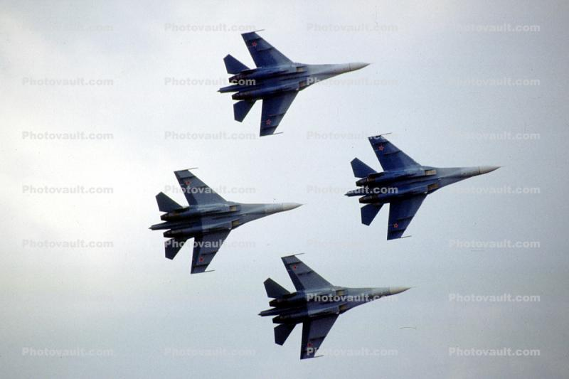 Mig-29 Russian Jet Fighters, formation flight