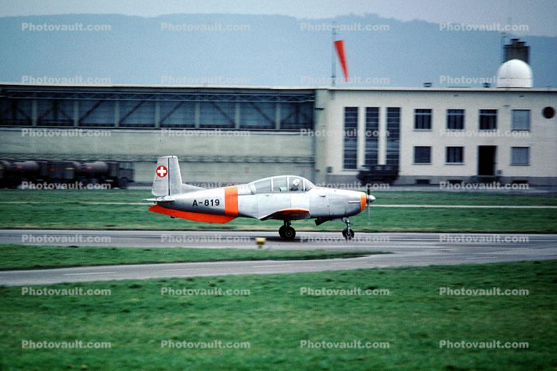 A-819, Pilatus P-3, Swiss Air Force, P3, training aircraft, trainer, Payerne Air Base, Switzerland
