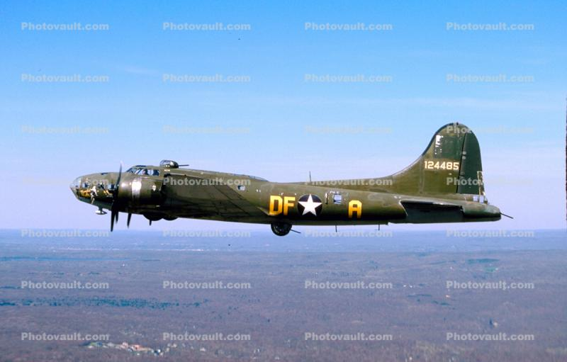 124485, Boeing B-17G Flying Fortress, (299P)