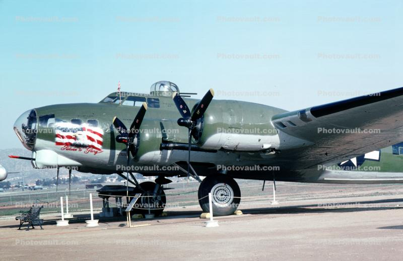 "44-6393, Boeing B-17G, ""Return To Glory"""