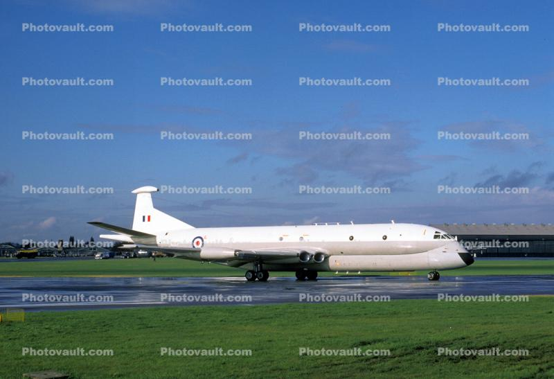 XV226, Royal Air Force, RAF, Hawker Siddeley Nimrod MR.2, maritime patrol craft, ASW