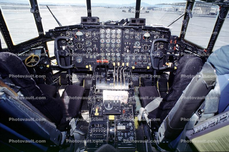 "Cockpit, AC-130H Spectre, Spooky, Gunship, 6573, 69-6573, ""Heavy Metal"", Attack Aircraft"