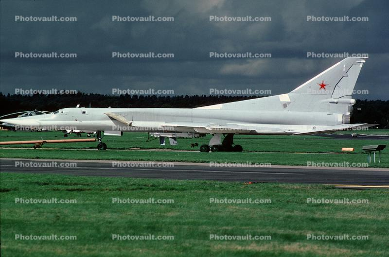 Tupolev Tu-160, Blackjack, Strategic bomber, Red Star, jet, airplane, aircraft, Russian Air Force, milestone of flight