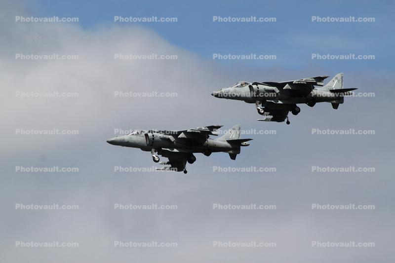 AV-8B Harrier, Formation Flight