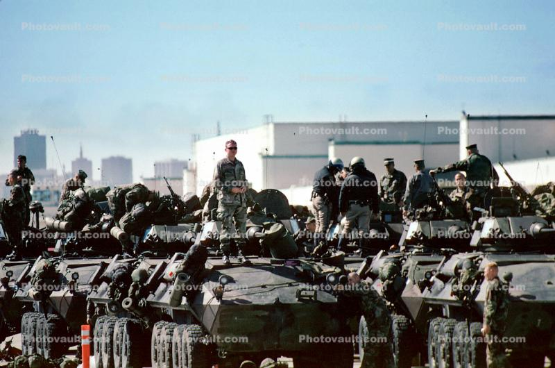 LAV-25, Wheeled Tanks, canon, Light Armored Vehicle, eight-wheeled amphibious reconnaissance vehicle, Operation Kernel Blitz, urban warfare training, Troops