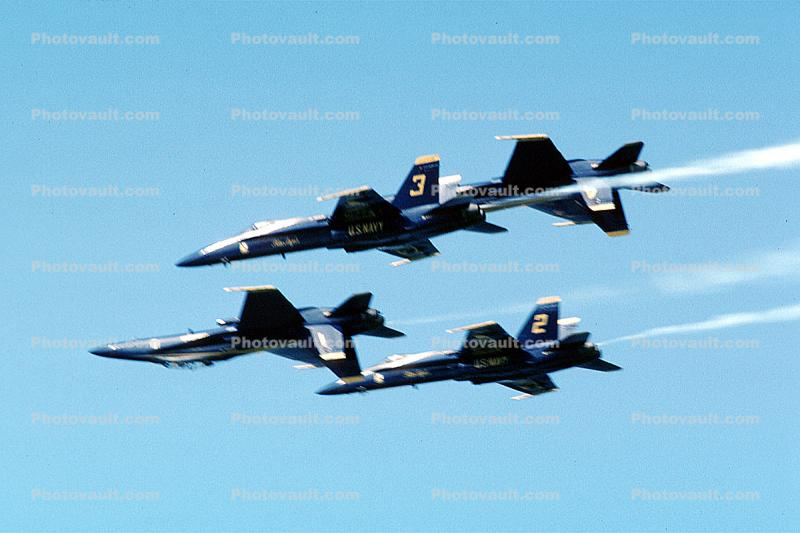 McDonnell Douglas F-18 Hornet, Blue Angels, Number-3, flying upside-down