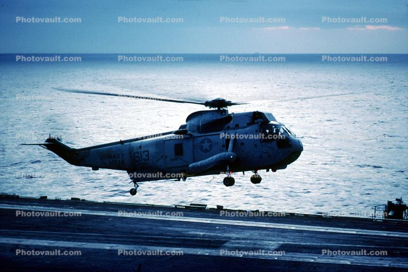Sikorsky SH-3 Sea King, taking-off, 613