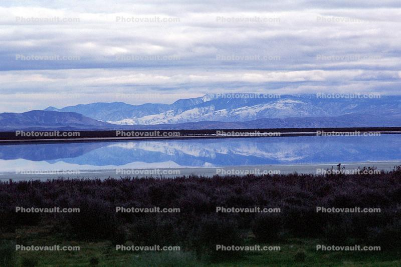 Soda Lake in the winter, wintertime, reflection, water, clouds, mountains