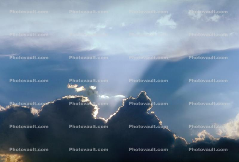 Crepuscular Rays, Spiritual Light, Sun Streamers, Sunset, Sunclipse, Spirit, Divine, Divinity, Heaven, sunbeams, sliver-lining