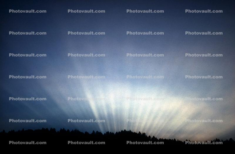 Crepuscular Rays, Spiritual Light, Sun Streamers, Sunset, Sunclipse, Spirit, Divine, Divinity, Heaven, sunbeams