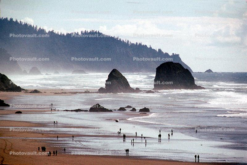 Cannon Beach, Pacific Ocean, sand, landmark rock, Haystack Rock