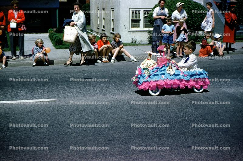 Pedal Car, Boy, audience, Spectators, 1960s